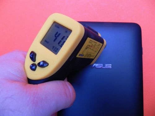 Dupa 15 minute de Asphalt 8 tableta Asus Vivotab Note 8 a atins 43 de grade
