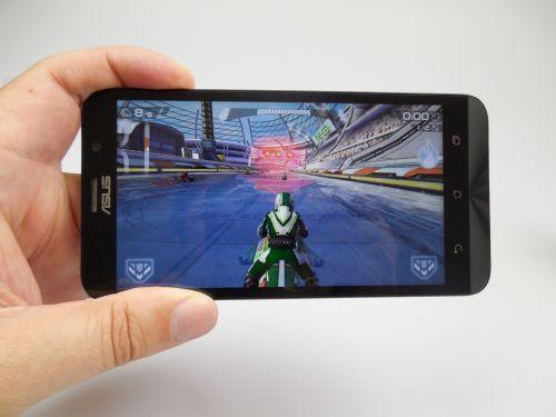Riptide GP2 jucat pe Asus Zenfone 2