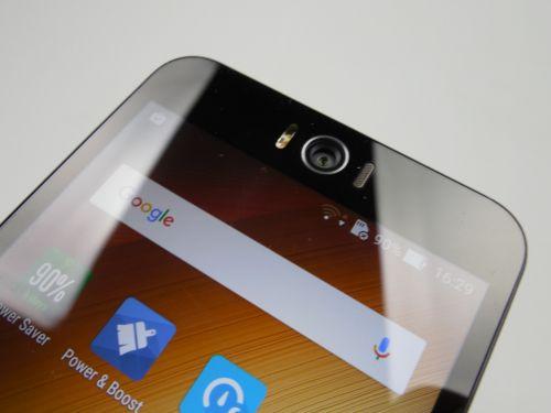 ASUS ZenFone Selfie, camera frontala
