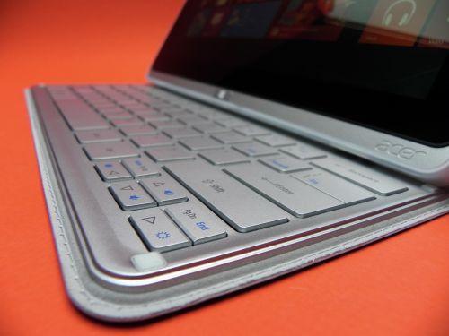 Tastatura Acer Iconia W700