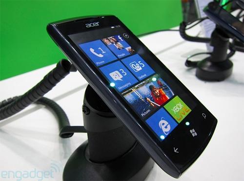 Iată primul telefon Windows Phone Mango! Acer W4 surprins la Computex! (Video)