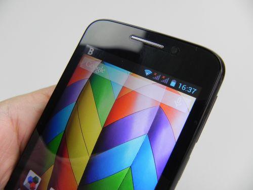 Allview A5 Smiley Review + Concurs: telefonul cameleon cu preț accesibil și cameră rezonabilă de 3 MP (Video)