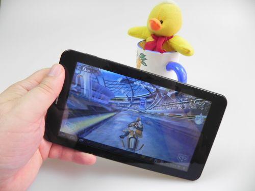 Allview AX4 Nano Review + Concurs: tabletă 3G ideală pentru omul grăbit, preț bun, ecran sacrificat (Video)