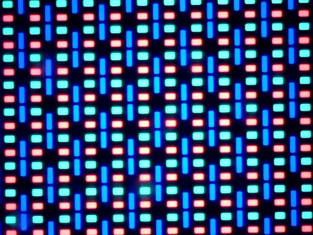 Ecranul lui Allview V2 Viper X la microscop