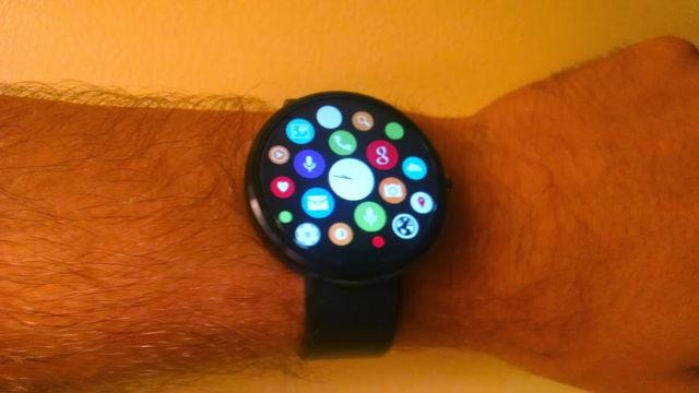 Interfața de pe Apple Watch ajunge acum pe ceasurile ce rulează platforma Android Wear