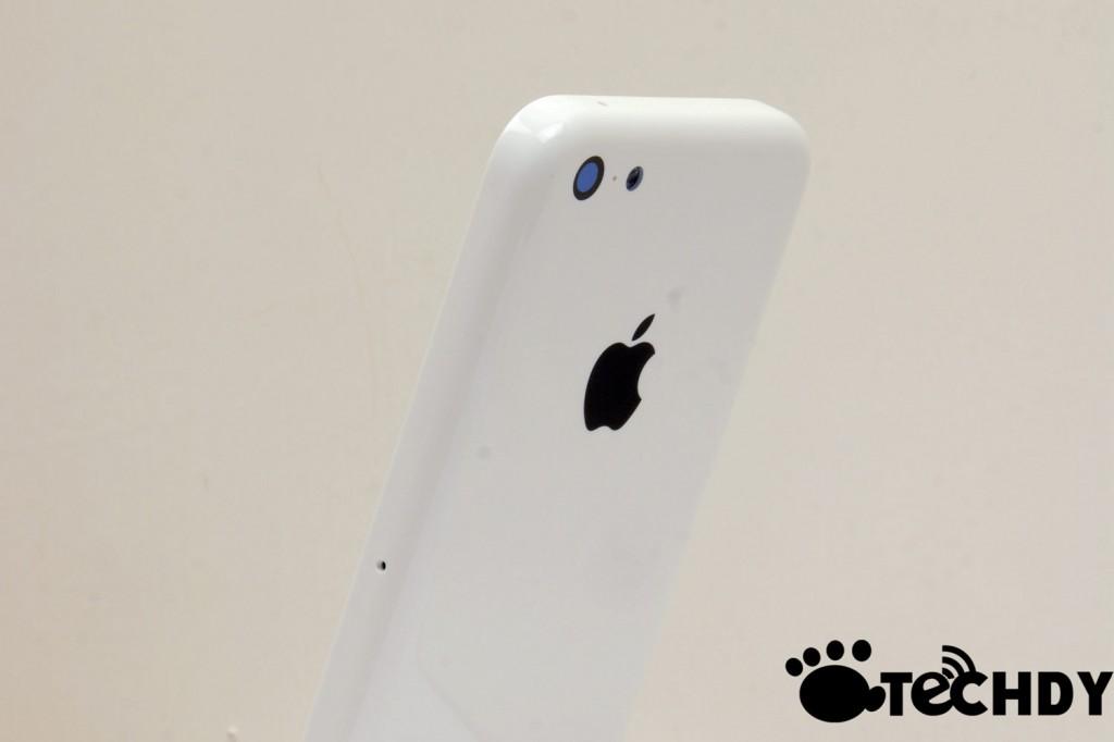 iPhone-ul de buget, cu carcasa din plastic surprins În primul clip hands on (Video)