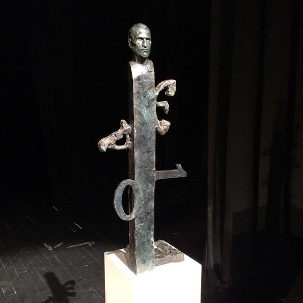 Statuia lui Steve Jobs dezvăluită Înainte de amplasarea la sediul din Cupertino