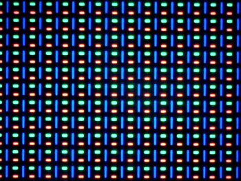 Ecranul lui Apple Watch vazut prin microscop