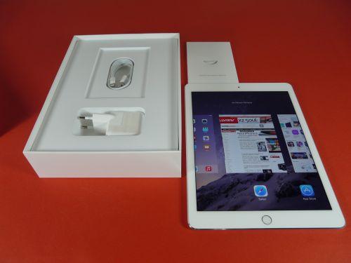 iPad Air 2 scos din cutie
