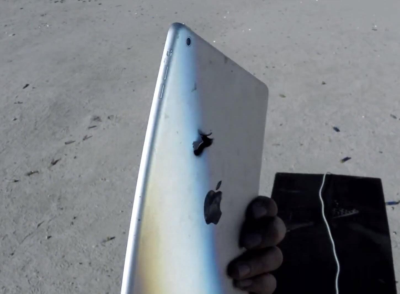 iPad Air supus unui test de rezistență extrem; totul văzut prin Google Glass