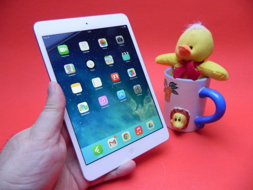 Review iPad Mini 2 (Retina): cea mai echilibrată tabletă a momentului, terminalul care le are pe toate (Video)