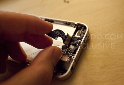 Noul iPhone, dezasamblat