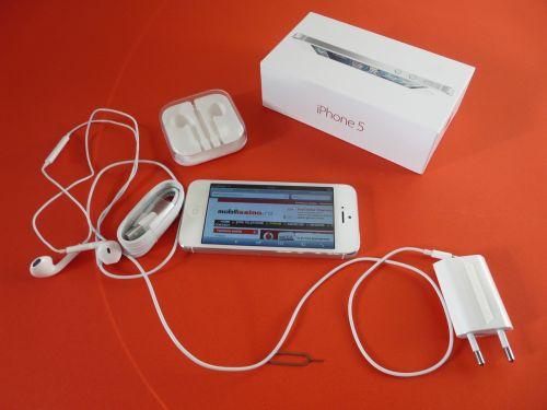 iPhone 5 a ajuns În sfârșit și la noi