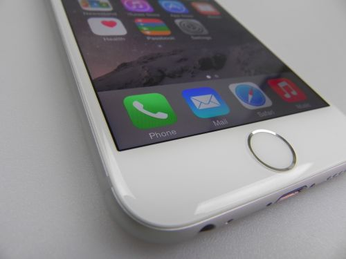 iPhone 6 pe parte de design
