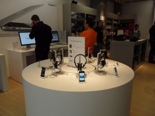Debutul lui iStyle, magazinul de produse Apple din AFI Cotroceni Palace