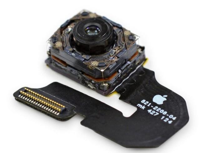iPhone 6 Plus trece și prin mâinile celor de la iFixit; acesta vine cu 1 GB memorie RAM și cu o baterie de 2.915 mAh