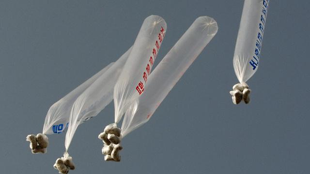 Iată ce Înseamnă hackingul societății nord coreene: baloane venite din sud transporta tehnologie