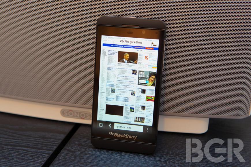 BlackBerry Z10 În primele review-uri: experiență nouă dar plăcută, performanta bună, probleme cu bateria