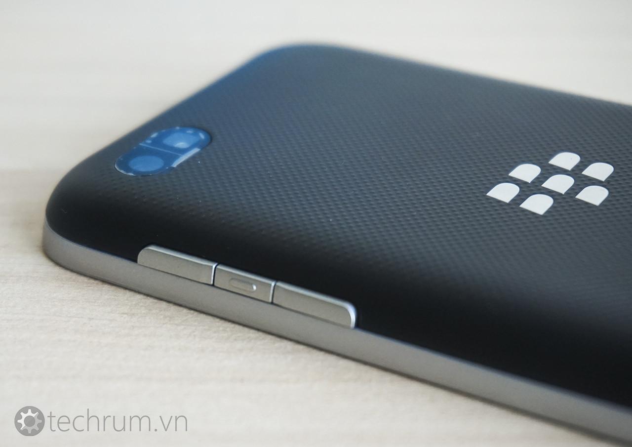 BlackBerry Kopi, un model cu QWERTY care nu va vedea lumina zilei apare În noi imagini