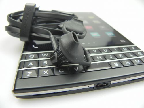 BlackBerry Passport pe partea audio
