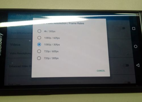 Fotografii hands-on cu BlackBerry Priv confirmă prezența unui chip 64-bit și a opțiunii de captură 4K