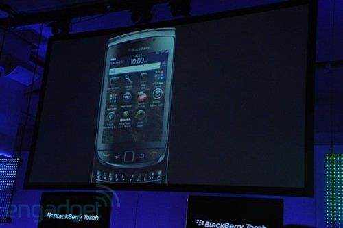 BlackBerry Torch anuntat oficial, soseste in data de 12 august, la pretul de 200 dolari