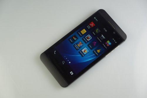 TOP 5: PRO și CONTRA la BlackBerry Z10