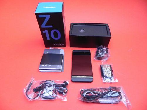 BlackBerry Z10 scos din cutie