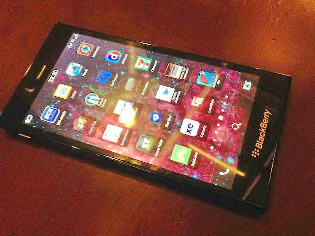 Smartphone-ul accesibil BlackBerry Z3 apare În noi imagini live