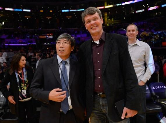 Telefoane BlackBerry 10 În acțiune la un meci NBA, În mâna CEO-ului RIM