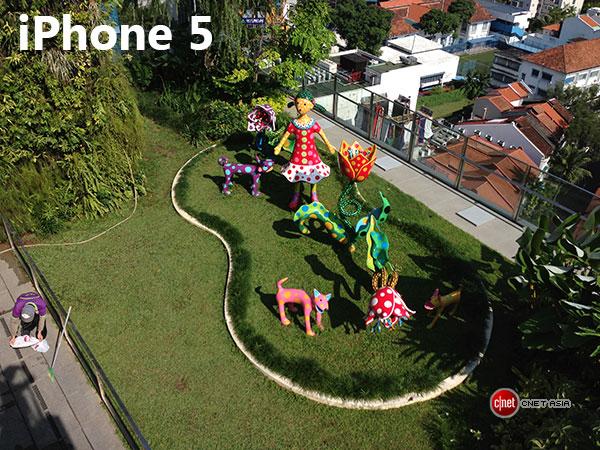 HTC One versus iphone 5 - bătălia camerelor: portrete mai naturale, macro-uri mai bune pentru HTC One