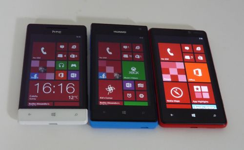 Comparatie display-uri telefoane WP8