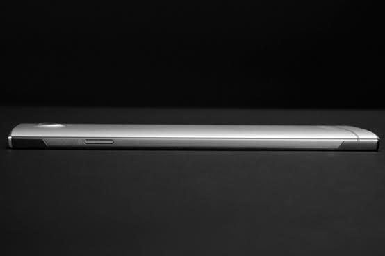 DOOGEE F2015 va sosi cu o carcasă din liquid metal; ce înseamnă acest lucru și ce dotări va aduce telefonul?