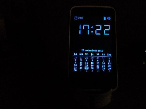smartphone ceas de noapte