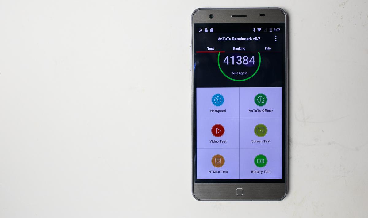 Faimosul smartphone Elephone P7000 primeşte un test benchmark, obţine peste 41.000 de puncte în AnTuTu