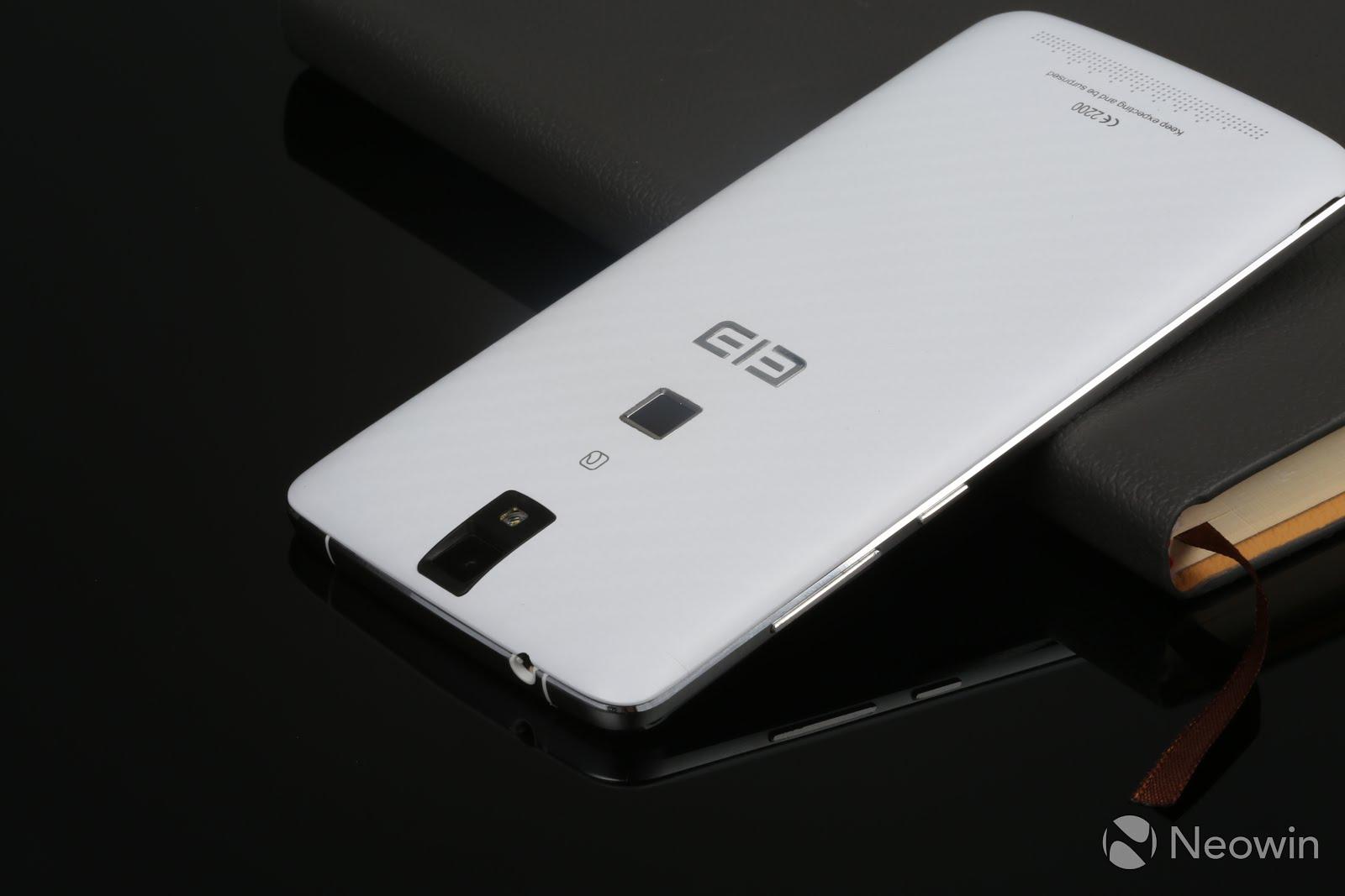 Elephone P8000 este un telefon cu 3 GB RAM şi baterie foarte generoasă, dar şi cu preţ incredibil!