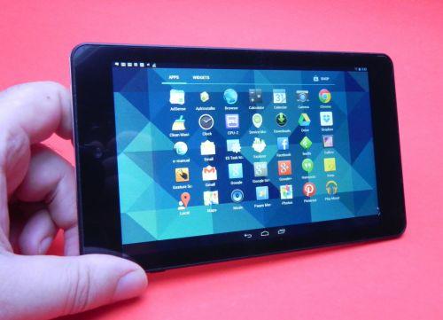 Prezentare tableta Evolio X7
