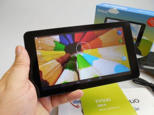 Evolio GO Fun 3G Review + Concurs: tableta GPS ideală pentru taximetrişti, cu ecran cam tras pe dreapta (Video)
