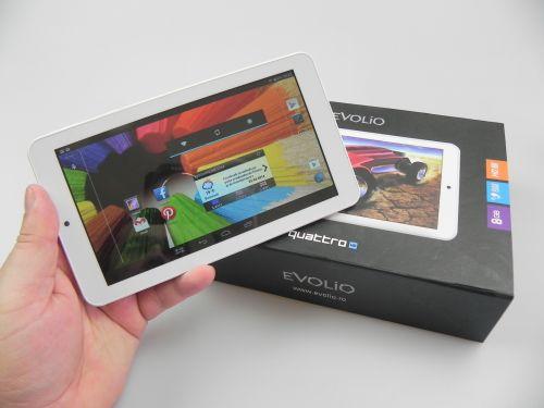 Evolio Quattro HD Unboxing: una dintre cele mai accesibile tablete testate de noi scoasă din cutie + Concurs (Video)
