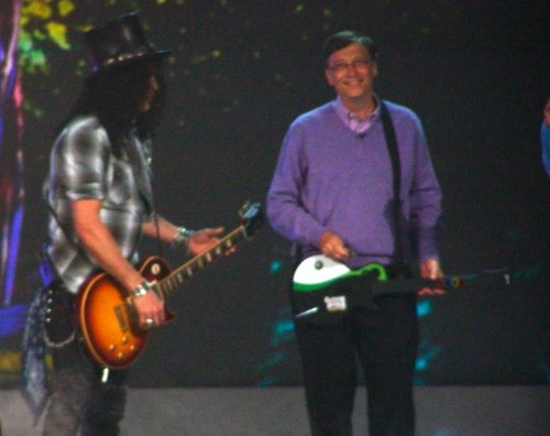 CES 2008 Bill Gates & Slash, de la Guns & Roses