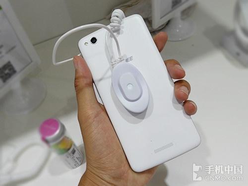 Gionee prezintă smartphone-ul GN715 În cadrul show-ului PT/Expo Comm China 2014