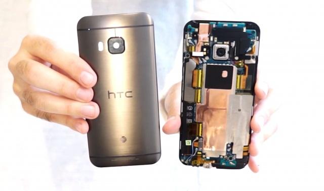 Iată cât de greu de reparat e un HTC One M9, pentru a-i înlocui ecranul (Video)