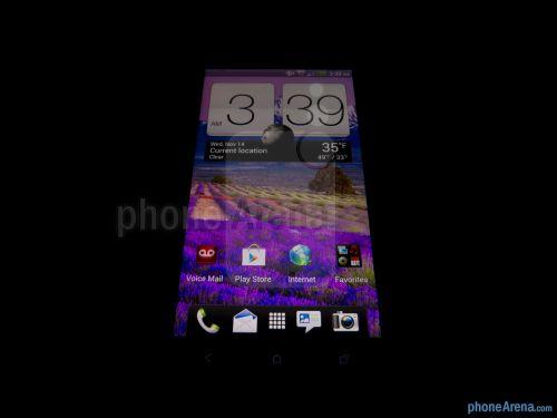 Review Phone Arena: ecran revoluționar, software excelent
