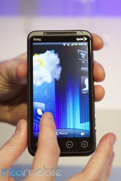HTC EVO 3D și interfața HTC Sense 3.0 ni se prezintă Într-un clip hands on (Video)