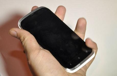 HTC Dual SIM!? Se poate, doar În China - iată modelul HTC Wind T328w cu Android 4.0