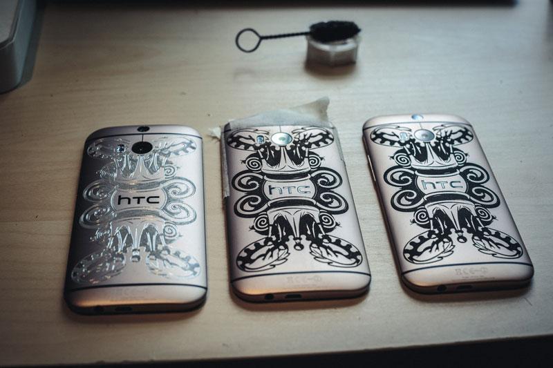 """HTC One M8 primește o ediție """"tatuată"""" PHUNK"""