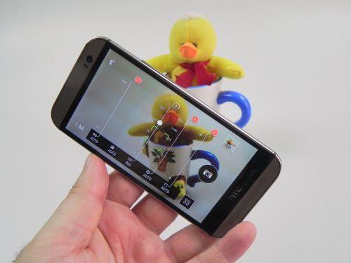 Camera lui HTC One M8 - Duo camera + 4 Ultrapixeli