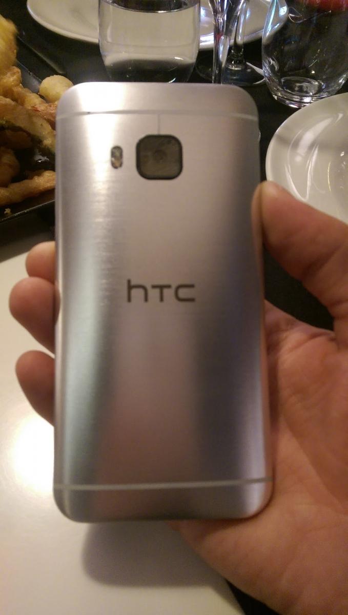 MWC 2015: HTC One M9 primeşte un hands on în exclusivitate pentru Mobilissimo.ro, în limba romană (Video)