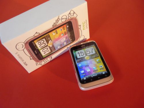 HTC Wildfire S scos din cutie
