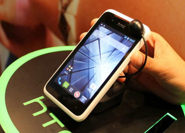 HTC Desire 210, un nou telefon dual SIM cu ecran de 4 inch debutează cu preț accesibil